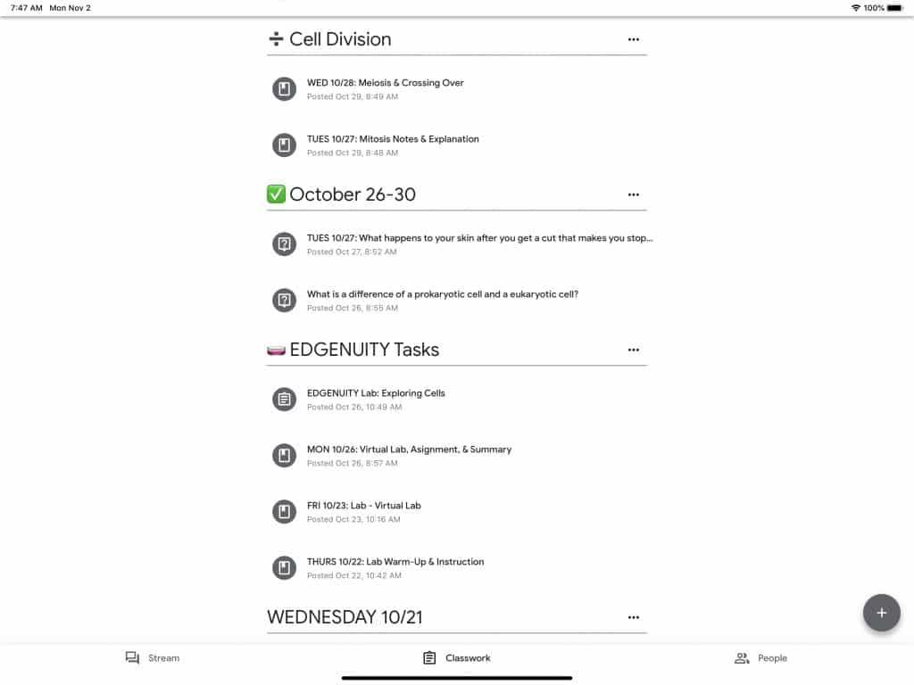 Google Classroom stream with emojis to organize it.
